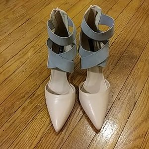 """Shoes - Zabella Rue shoes size """"9"""" no aging bout 4"""""""